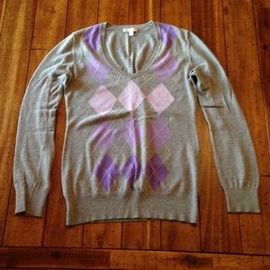 GAP Lightweight V-Neck Sweater w/ purple argyle